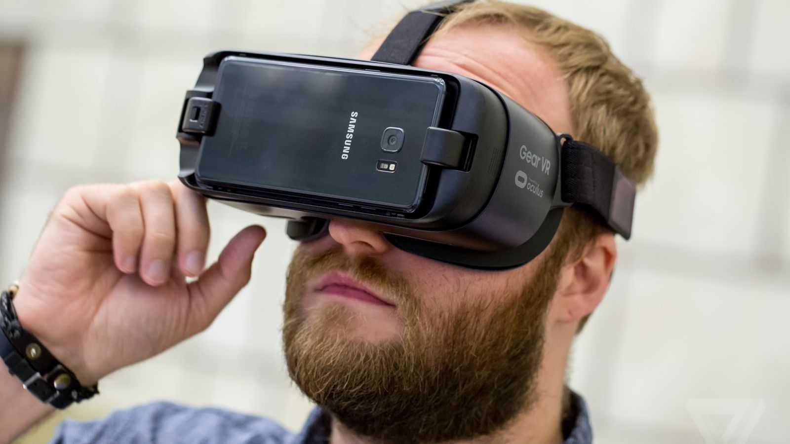 THE BEST HMD: THE BATTLE FOR YOUR HEAD HAS STARTED