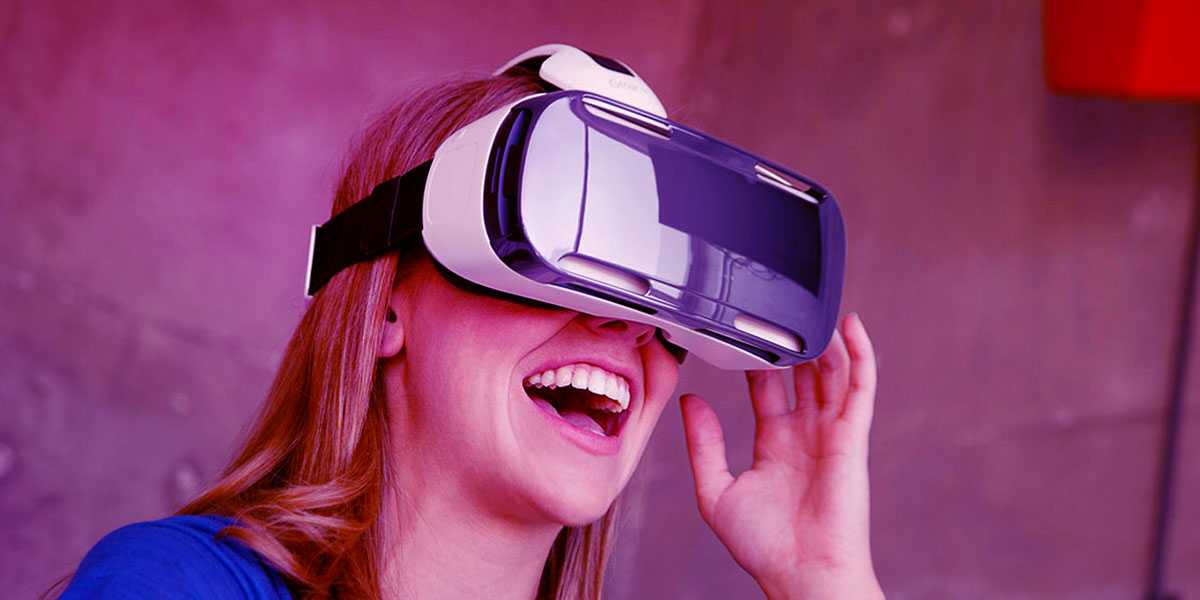 HOW TO DESIGN VR/AR APPS TO HOOK CUSTOMERS