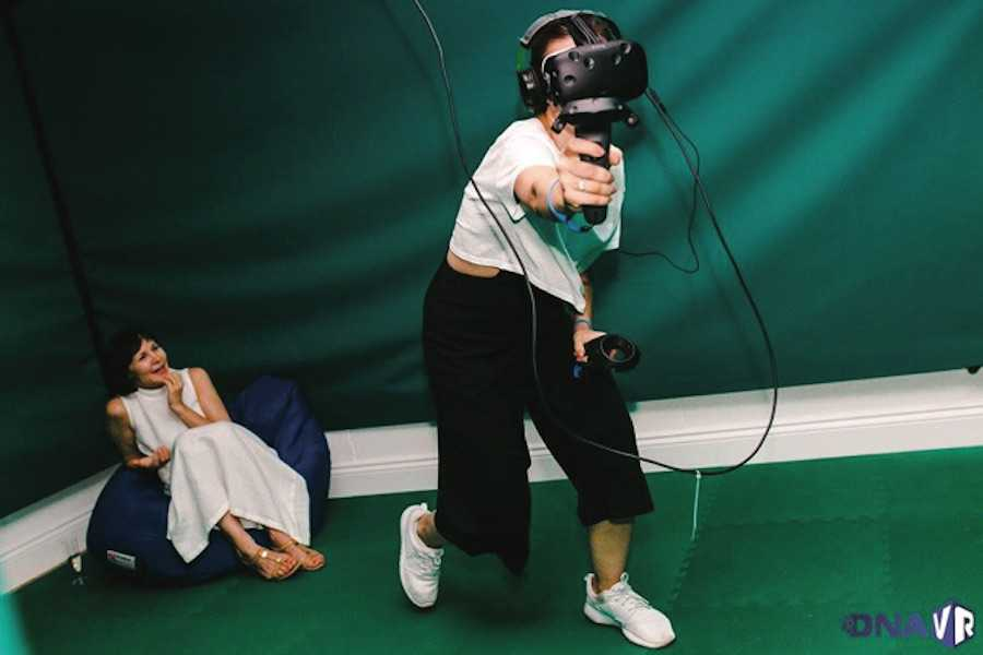10 REASONS WHY VIRTUAL REALITY TRAINING PROGRAMS ARE A COST-EFFECTIVE HR SOLUTION